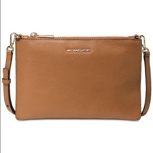 Michael Kors LG Crossbody Clutch Brown